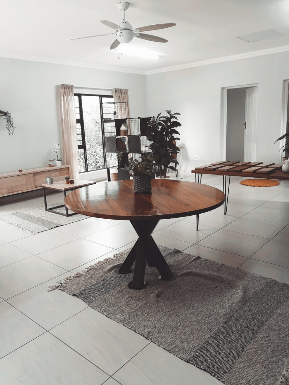 Black Tail Dining Table